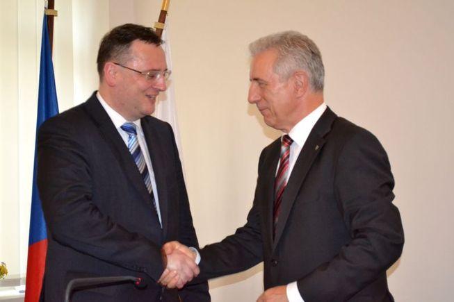 Slavnostní otevření Saského kontaktního centra: premiér České republiky Petr Nečas a premiér Svobodného státu Sasko Stanislaw Ti