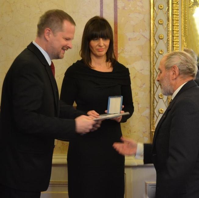 Medaili MŠMT I. stupně obdržel Mgr. Rostislav  Placheta
