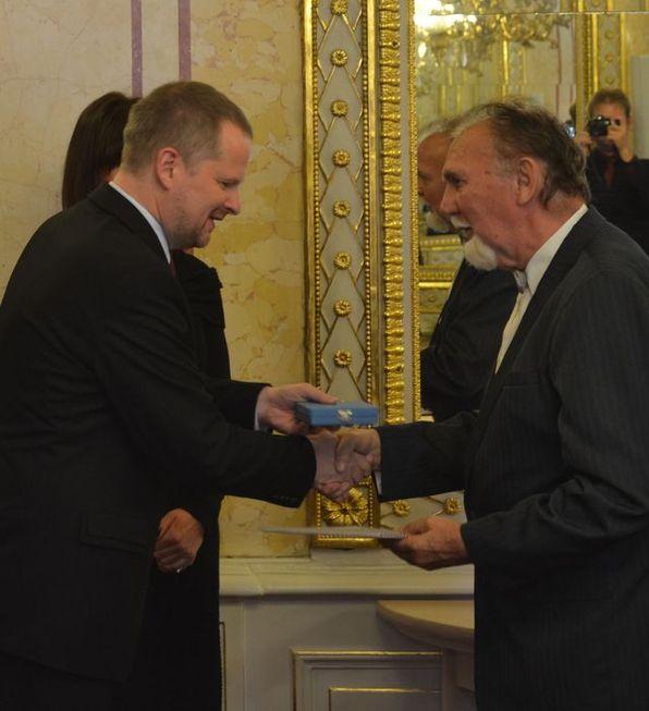 Medaili MŠMT I. stupně obdržel PhDr. František Zimáček