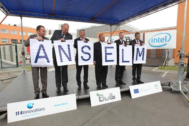 IT4Innovations_Slavnostní_vyhlášení_názvu superpočítače.jpg