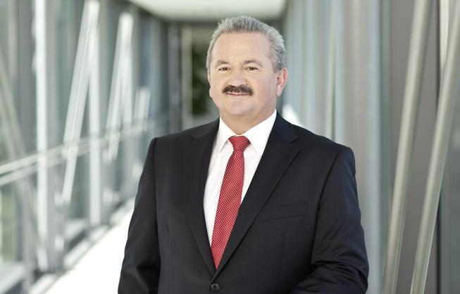 Prof. Neugebauer.jpg