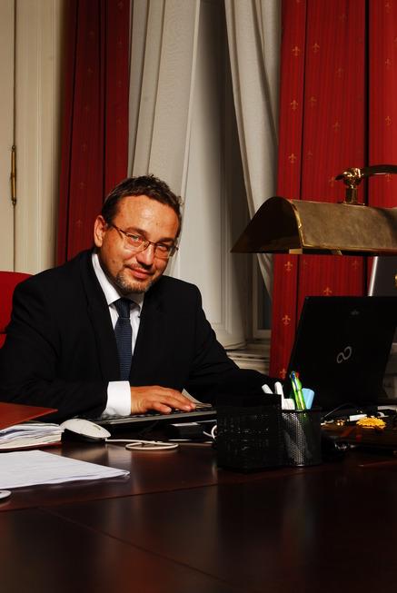 Ministr Josef  Dobeš v úřadu V.