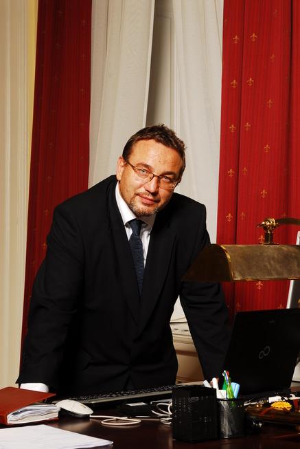 MInistr Josef Dobeš v úřadu VI.