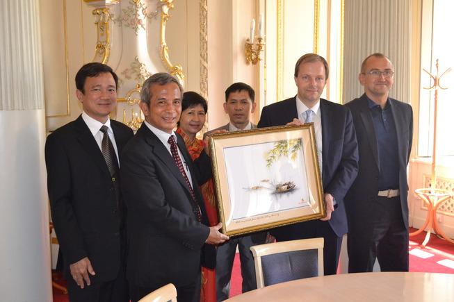 ministr-vietnamská delegace