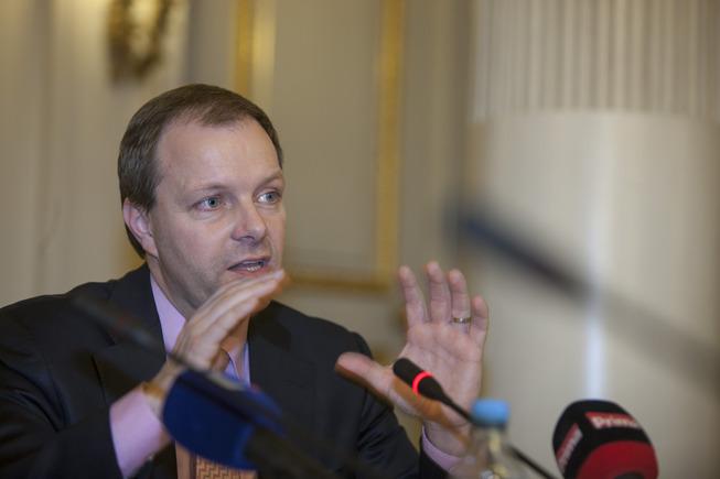 ministr-mikrofony
