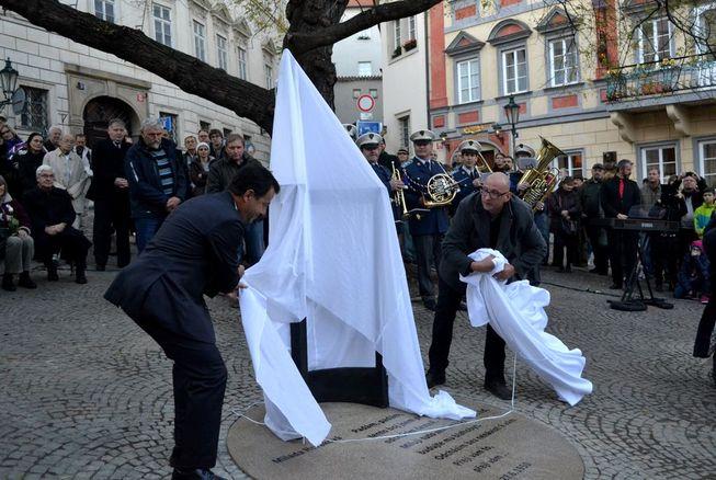 Milada Horáková - památník 5