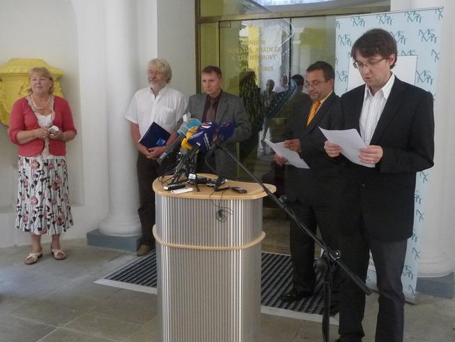 Tisková konference 11. července 2011