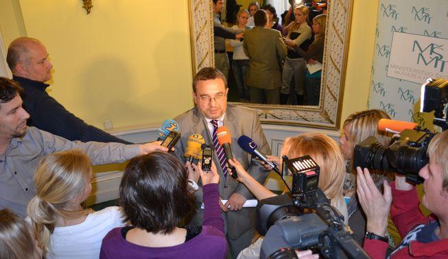 Ministr s novináři