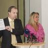 Ministr školství Marcel Chládek a děkanka Pedagogické fakulty UK Radka Wildová na brífinku na MŠMT.
