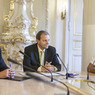 Ministr Marcel Chládek, náměstek Petr Hulinský a horolezec Radek Jaroš