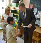Ministr Petr Fiala předával vysvědčení na Základní škole Grafická 13, Praha 5